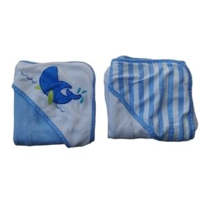 Set of 2 Hooded Baby Bath Towels, Blue Whale Theme